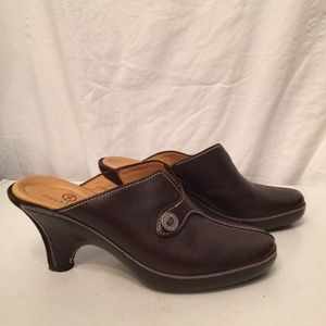 Cole Haan brown leather clogs size 6B NEW